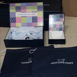 Vineyard Vines wrapping boxes